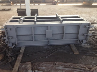 Traffic barriers moulds