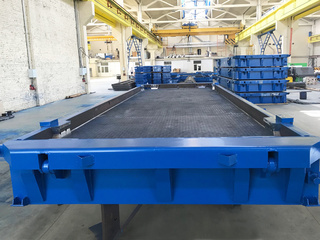 Smooth airfield slabs steel moulds with matrix arrangement