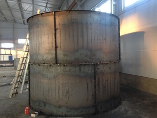 Bolted silos for cement