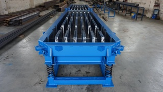 Steel moulds for slotted floors