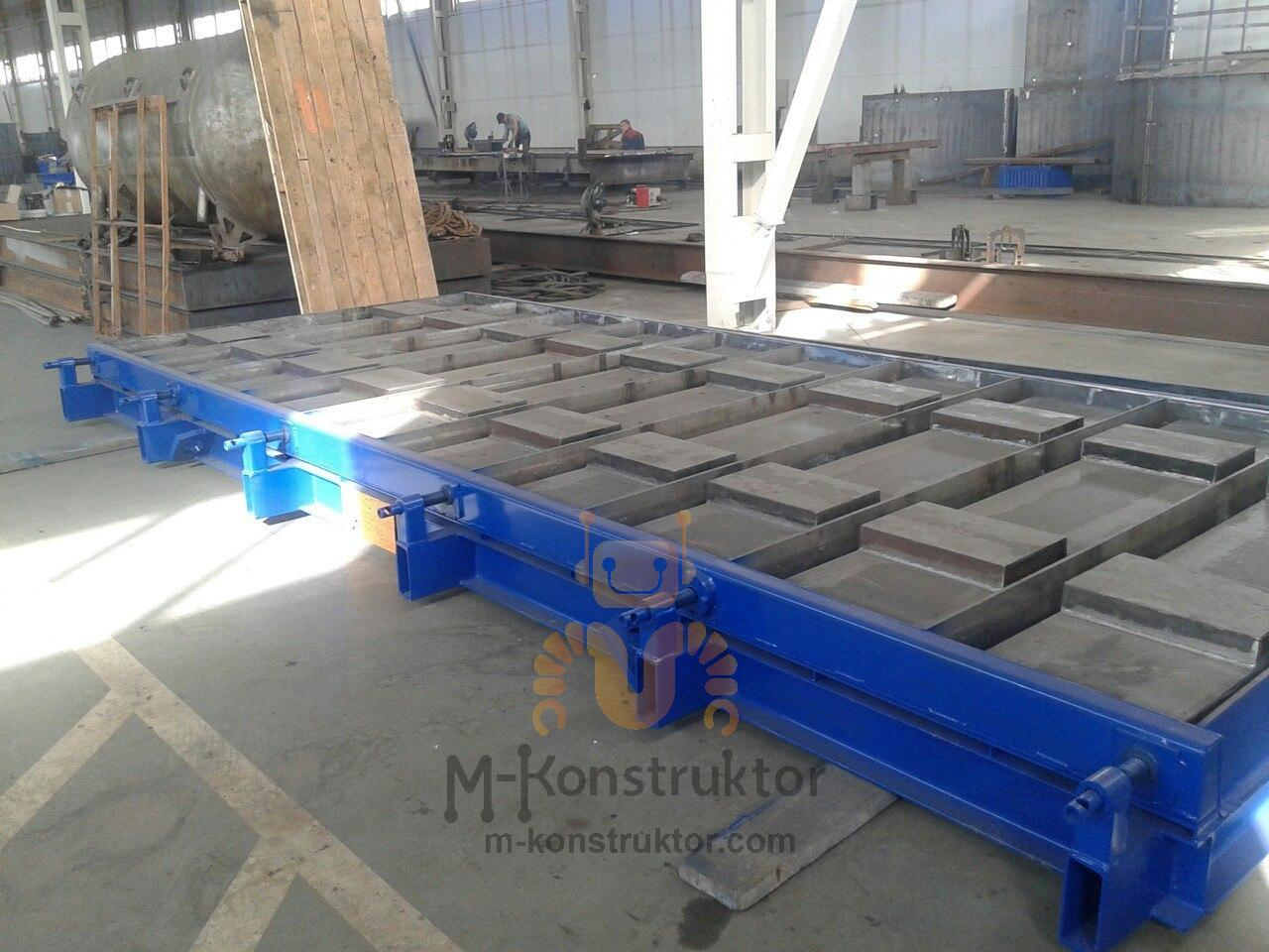 Steel moulds for precast concrete ductings for cable trays